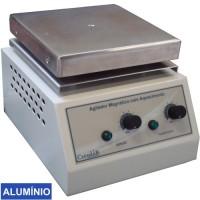 Agitador Magnético  com Aquecimento, Plataforma Quadrada de Alumínio 18x18cm, 15 litros